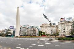 Obélisque dans Avinguda 9 de Julio à Buenos Aires, Argentine Photographie stock libre de droits