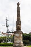 Obélisque et antennes Image libre de droits
