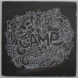 Obóz letni ręki literowanie i doodles elementy Zdjęcia Royalty Free