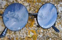 Obłoczni okulary przeciwsłoneczne Zdjęcie Royalty Free