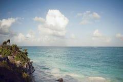 obłoczna oceanu nieba widok woda Fotografia Royalty Free