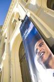 Obama-bandera en el centro de la paz Nobel en Oslo Foto de archivo libre de regalías