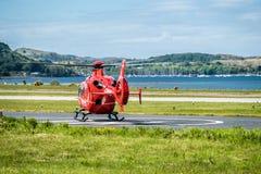 Oban苏格兰- 2017年5月17日:开始红色的救护机飞行回到爱尔兰 免版税库存照片