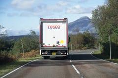Oban, Argyll/Schotland, het UK - 6 Oktober 2018: Tesco-supermarkt online het winkelen thuisbezorging aan afgelegen eilanden en pl royalty-vrije stock afbeeldingen
