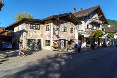 Obberamergau,德国- 2017年10月15日:传统家与 图库摄影