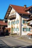 Obberamergau,德国- 2017年10月15日:传统家与 免版税库存照片