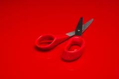 obchodzi się czerwonych nożyce Obraz Stock