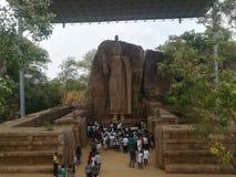 Obciążeniowa Buddha statua zdjęcia stock