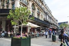 Obciosuje z barami i restauracjami w Bruksela, Belgia Zdjęcie Stock