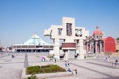 Obciosuje z nową bazyliką Nasz Mary Guadalupe, Meksyk Ci Zdjęcie Stock