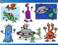 Obcy lub Martians postać z kreskówki Ustawiający ilustracja wektor