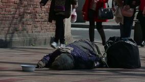 Obdachlos stock video footage
