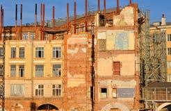 Obdrapana ściana stary dom na terytorium Zar fotografia stock