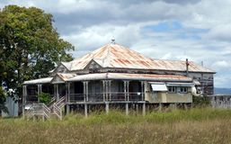 Obdrapany dom dzwoniący Queenslander Obrazy Royalty Free