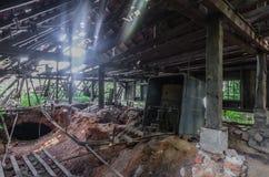 Obdrapany Drewniany dom zdjęcie royalty free