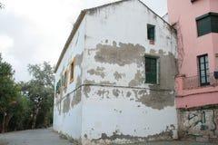 Obdrapany stary dom w Seville zdjęcie stock