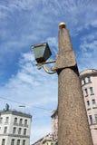 Obelischi del granito con le lanterne fotografia stock