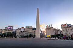 Obelisco de Buenos Aires em Plaza de la Republica no por do sol - Buenos Aires, Argentina Fotografia de Stock