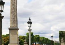 Obelisco de Luxor y de Champs-Elysees en París Imagen de archivo libre de regalías