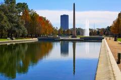 Obelisco del monumento del pionero del parque de Houston Hermann fotos de archivo