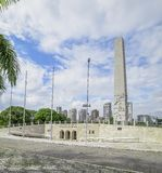 Obelisco del parque de Ibirapuera imagenes de archivo