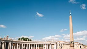 Obelisco del Vaticano en el cuadrado de San Pedro en la Ciudad del Vaticano foto de archivo libre de regalías