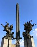 Obelisco e cavallerizzi Immagini Stock Libere da Diritti