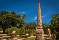 Obelisco tropical imagen de archivo libre de regalías