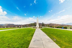Free Obelisk In Griffith Park With Hollywood Sign In The Background Stock Photo - 91599890