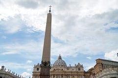 Obelisk Vaticanen, Italien royaltyfria foton