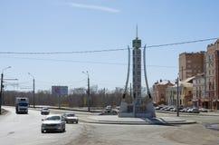 Obelisku ` Orenburg 1743 ` przy skrzyżowaniem Chicherin, Donguzskaya i maksymy Gorky ulicy, Fotografia Royalty Free