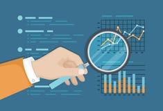 Oben genannte Diagramme der Lupe Finanz, Papierdokument, Geschäftsbericht Analyse-Diagramm Hand mit Vergrößerungsglas lizenzfreie abbildung