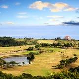 Obenliegende Ansicht des Bali-Golfplatzes stockfotos
