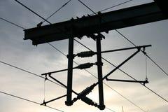 Obenliegende Schienen-Stromleitungen Stockfotografie