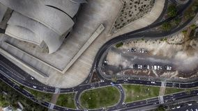 Obenliegendes aerialview des Stadtverkehrs Stockbilder