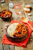Oberżyny i pomidoru chickpea curry z ryż obrazy royalty free