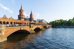 Oberbaum桥梁在柏林,德国 免版税图库摄影