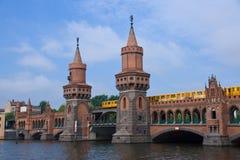 Oberbaumbruecke en Berlín Fotografía de archivo libre de regalías