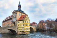 Obere bro och Altes Rathaus i Bamberg, Tyskland Royaltyfria Foton