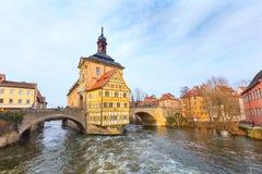 Obere bro och Altes Rathaus i Bamberg, Tyskland Fotografering för Bildbyråer