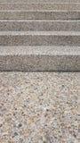 Obere Sandsteintreppe mit dem bunten Marmor zerstreut Stockbilder