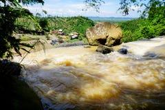 Oberer Strom eines Wasserfalls stockfoto