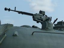 Oberes Pyshma, Russland - 2. Juli 2016: Maschinengewehr 12 7 Millimeter im Drehkopf eines sowjetischen Umb. des mittleren Behälte Lizenzfreie Stockfotos