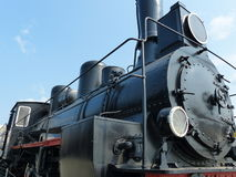 Oberes Pyshma, Russland - 2. Juli 2016: Zug mit Dampflokomotiv-Reihe Ov - Ausstellungen des Museums der militärischer Ausrüstung Stockfoto