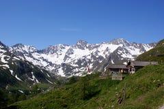 \ Oberglaneggalm \ con le alpi di Oetztal (Tirolo del sud) Immagini Stock