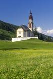 Obernberg Brennero con le alpi austriache su fondo Fotografia Stock Libera da Diritti