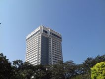 Oberoi hotel mumbai with trees around Royalty Free Stock Photography