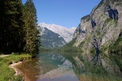 \ Obersee \ e la parete orientale Watzmann Fotografia Stock
