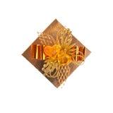 Oberseite des goldenen Kastens getrennt auf Weiß Stockfoto