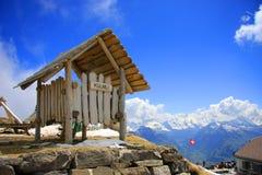 Oberseite des Niesen Berges Stockfotografie